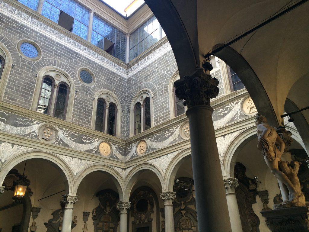 medici-riccardi-courtyard