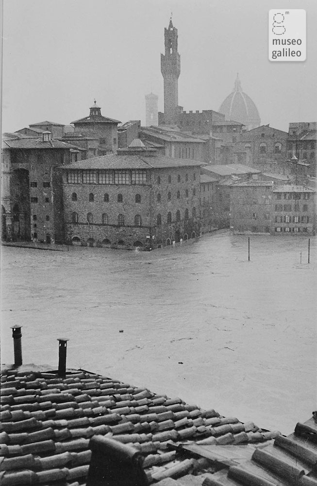 View of the Galileo Museum, known as the Institute of under the flood waters of the Arno in November 1966