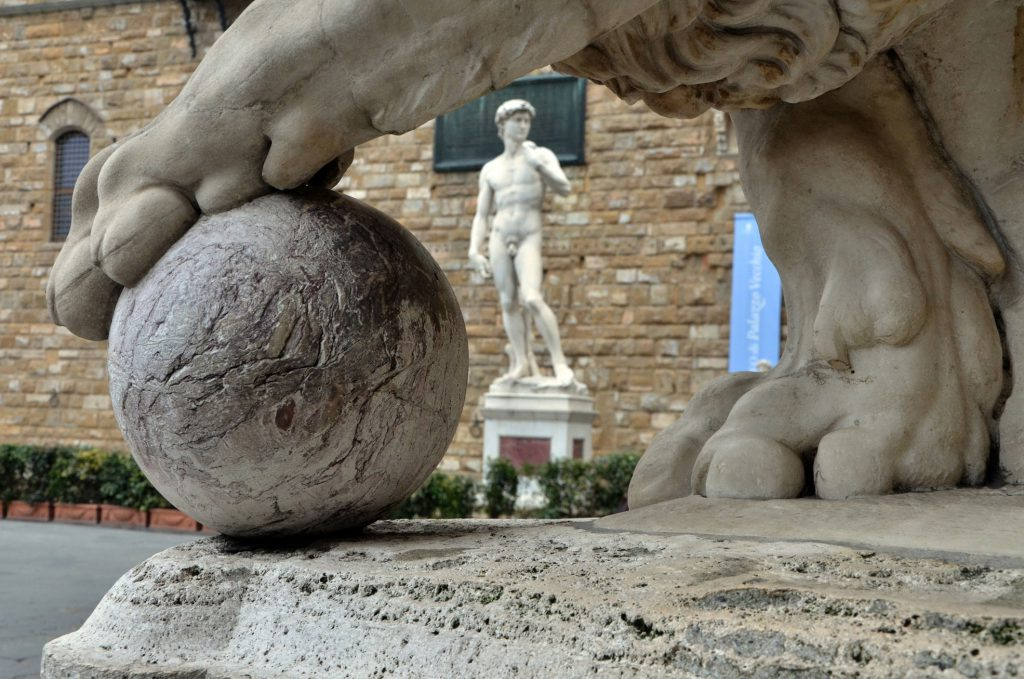 lion-paw-piazza-signoria