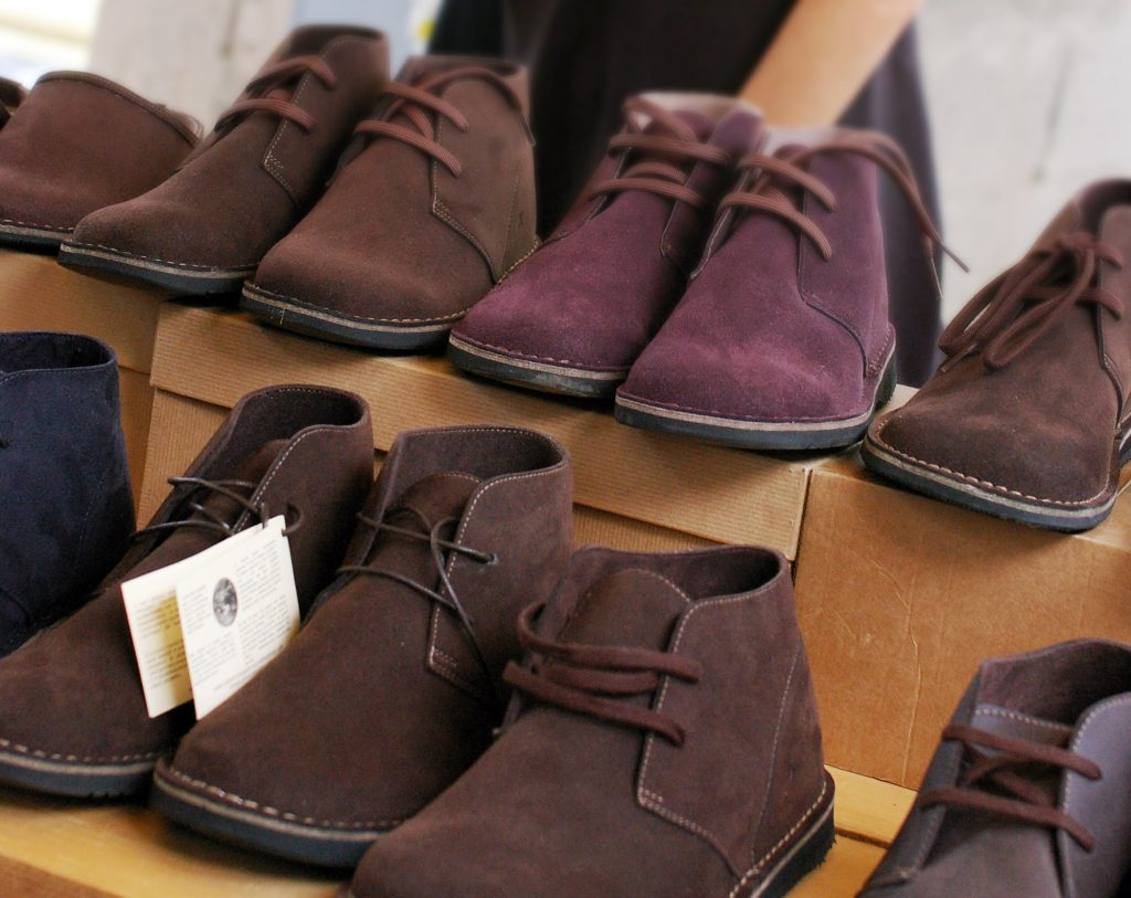 Scarpe realizzate con materiali vegan-friendly